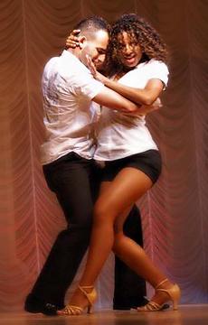 Bachata Oktatás Budapesten Kezdő Szinttől Salsa Levi Világbajnok Tánctanár Vezetésével a Broadway Dance Center Tánciskolában