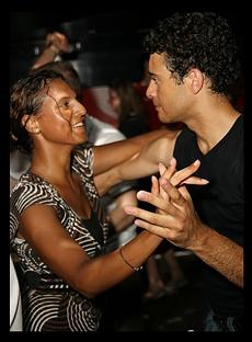 Kezdő Salsa Tánc Tanfolyam Budapesten a Broadway Dance Centerben