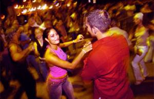 Salsa Levi Bachata és Latin Táncos Party és Gyakorló Buli Social Társas Tánc Est Budapesten a 14. kerületben