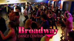Broadway Táncest Latin Party Dance Salsa és Sensual Bachata Kizomba Buli Budapesten Vezetett Táncoktatással