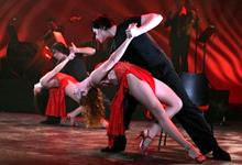 Vonalas Salsa Fellépő Tánc Csoportos Koreográfia Tánctanulás Tánctanfolyam és Oktatás Budapestan a Broadway Tánciskolában